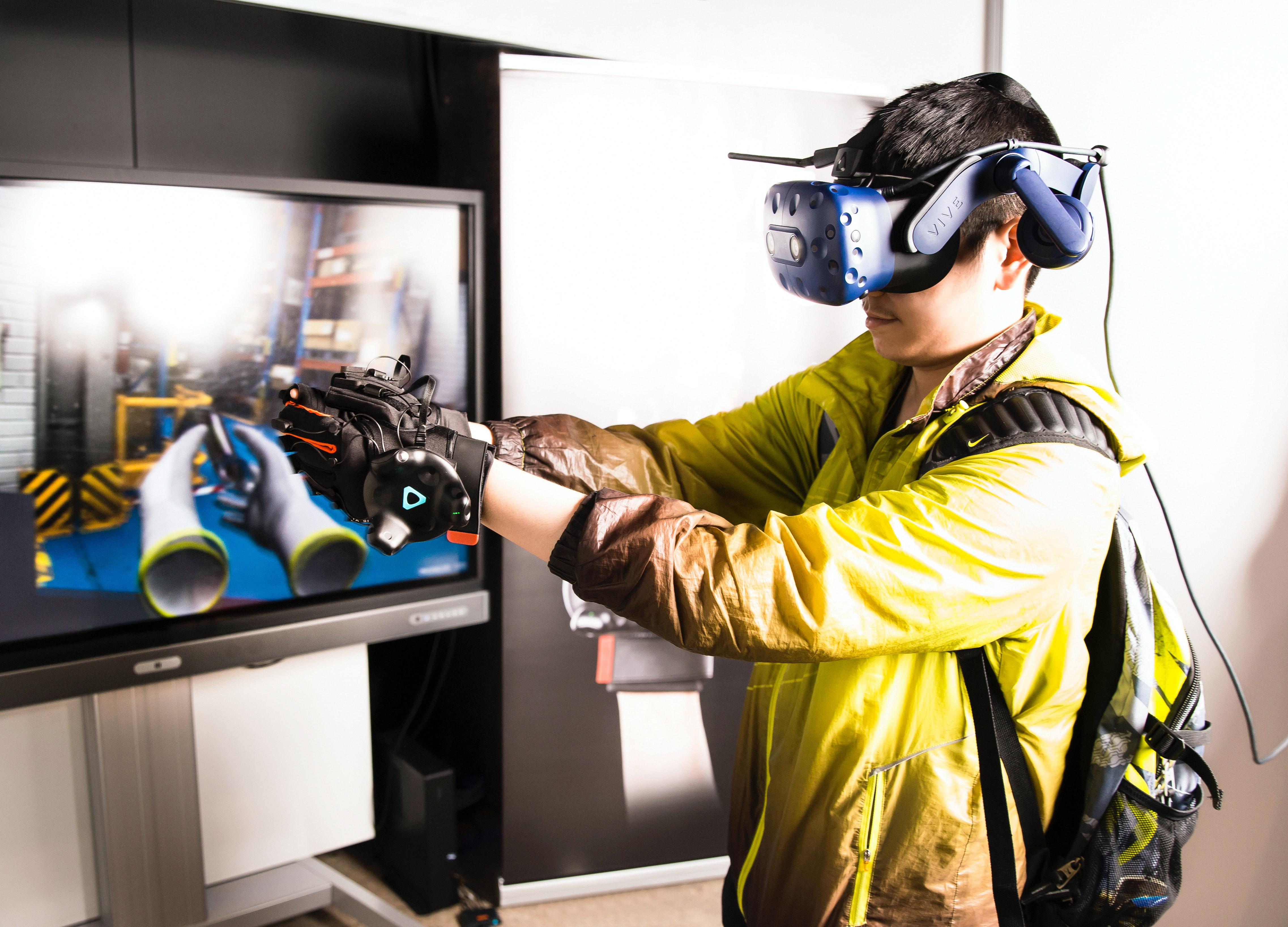 Using virtual reality for training company staff